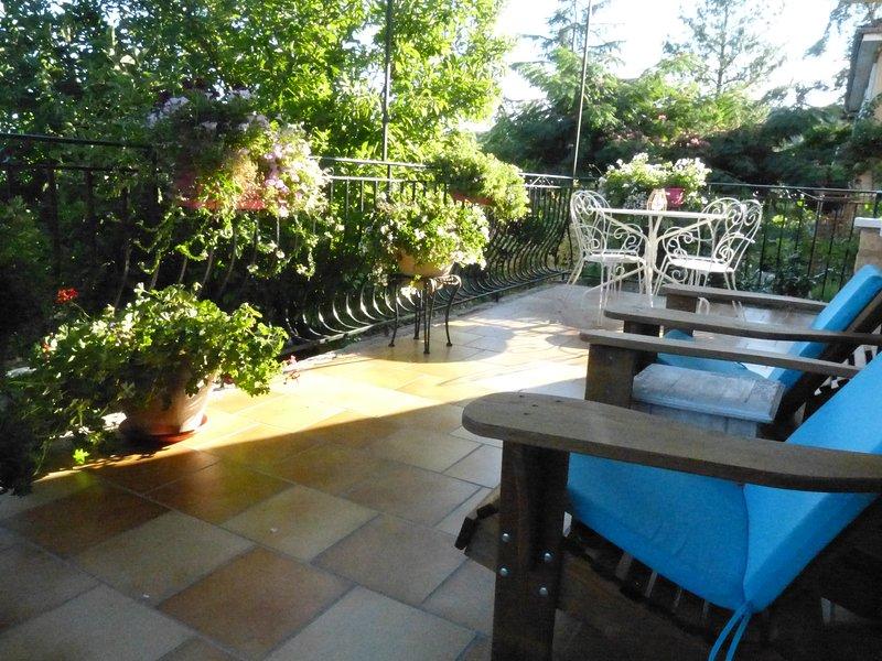 Maison Pierre D'Or, Monet. Luxury holiday apartment in Sarlat, Dordogne, location de vacances à Sarlat la Canéda