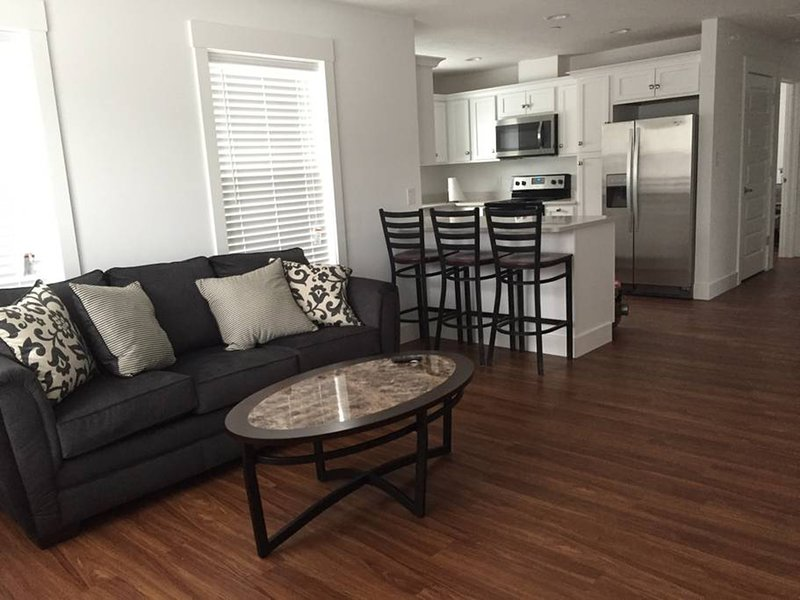 Apartment 201 · Campus Access, Downtown delight on Restaurant Row, location de vacances à Bloomington