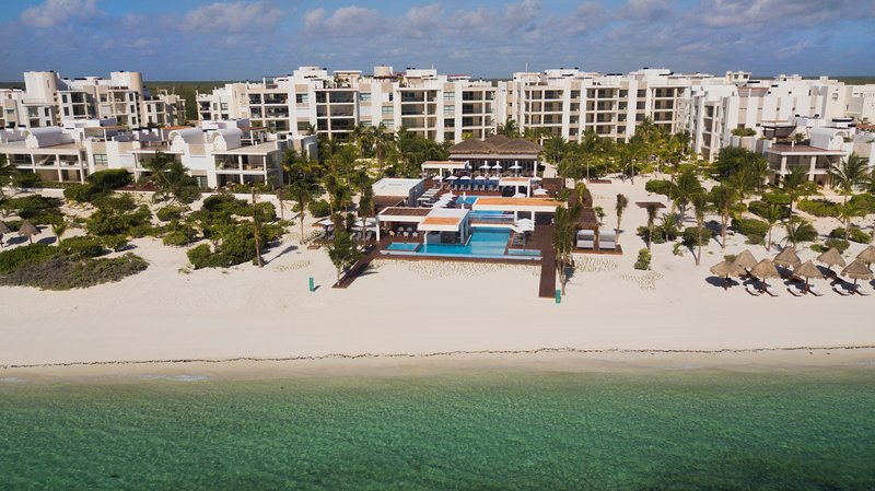 Your perfect ocean side vacation retreat away from the bustling hotel zone, vacation rental in Cancun