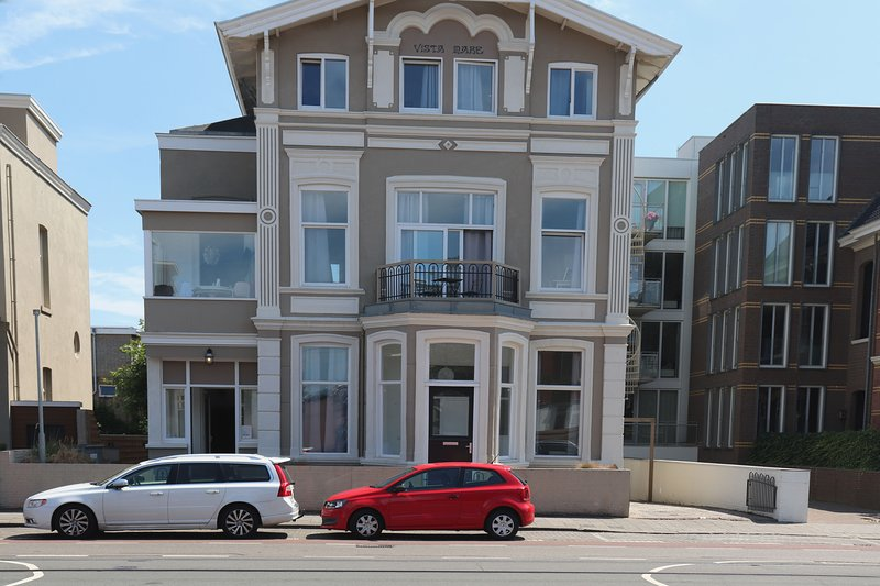 Short Stay Apartment  Nearby the Beach, Pets are welcome, Ferienwohnung in Den Haag