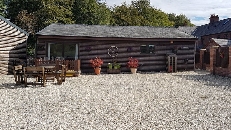 Forest Holiday Cottages: Lynmere & Blakemere Lodge, location de vacances à Cheshire