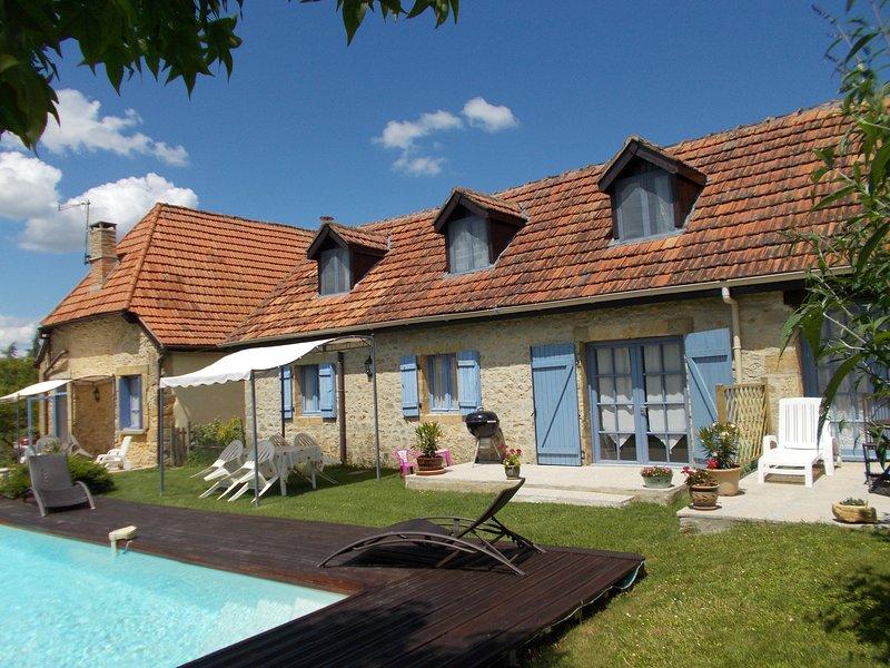 La Lavande - Spacious Stone Cottage, 10mins walk to Montignac centre., vacation rental in Aubas