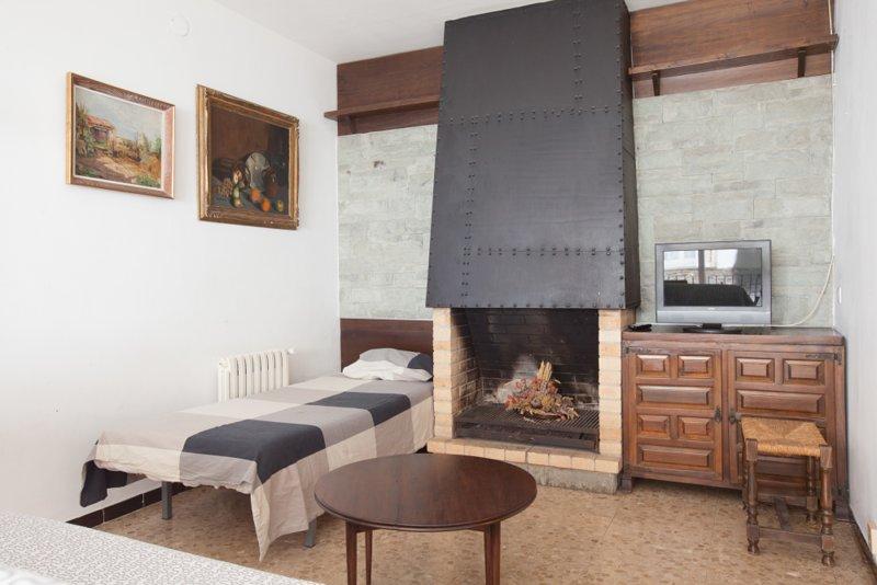 Quiet family apartment in Cadaques!, alquiler de vacaciones en Cadaqués