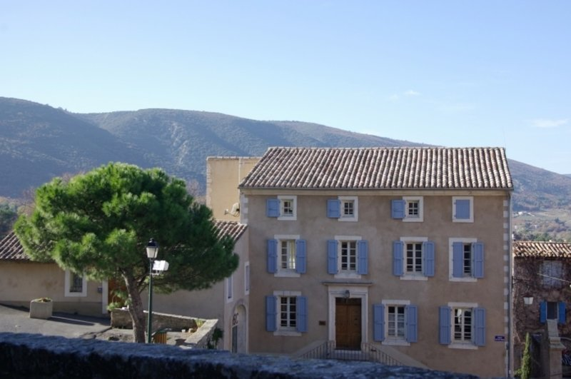 JDV Holidays - The Old Gendarmerie 1, Bonnieux, Luberon, Provence, vacation rental in Bonnieux