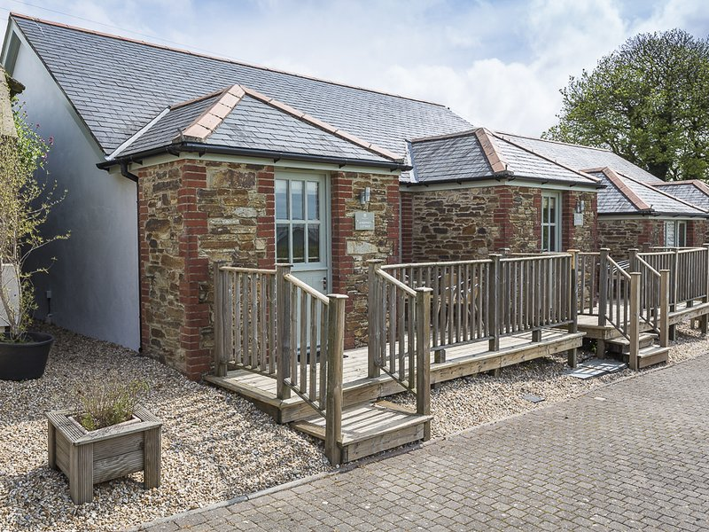 4 Keeper's Cottage, Dartmouth, holiday rental in Bowden