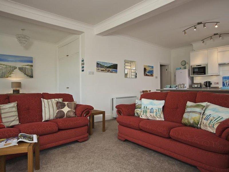 COVE VIEW, ground floor apartment, near beaches and village amenities, one, aluguéis de temporada em Hope Cove