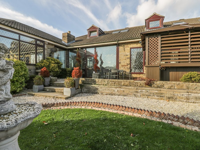 Seacrest Lodge, Scarborough, holiday rental in Crossgates