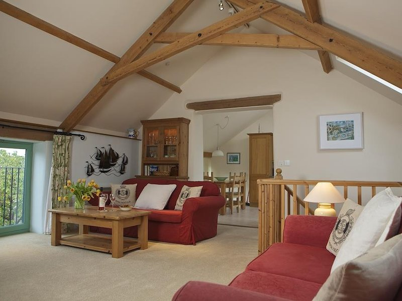 DAISY, two storey barn, set in a quiet hamlet, baby friendly, parking for two, holiday rental in Strete