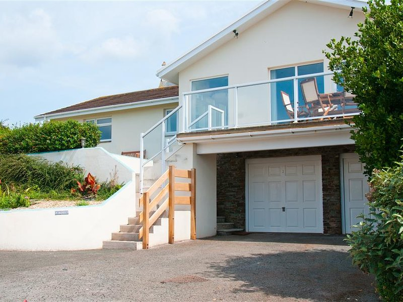 GREYSTONE, sea view, outdoor areas, barbecue, parking, vacation rental in Salcombe