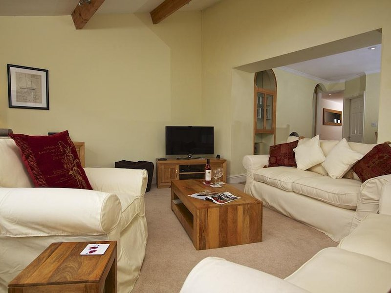SEAGRASS, sea views, communal gardens, dog-friendly, nearby beaches, holiday rental in Hope Cove
