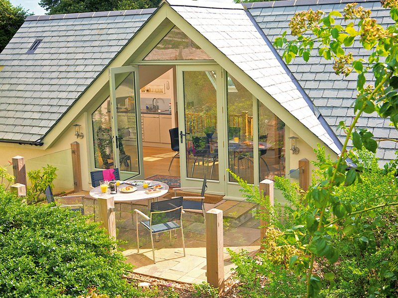 COLA'S TONNE, traditional, WIFI, en suite, woodburner, vacation rental in Bolberry