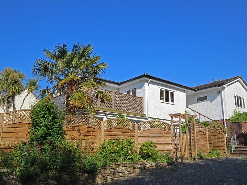 ESTUARY HOUSE, two storey detached house, private drive way for 4 cars, near to, location de vacances à East Prawle