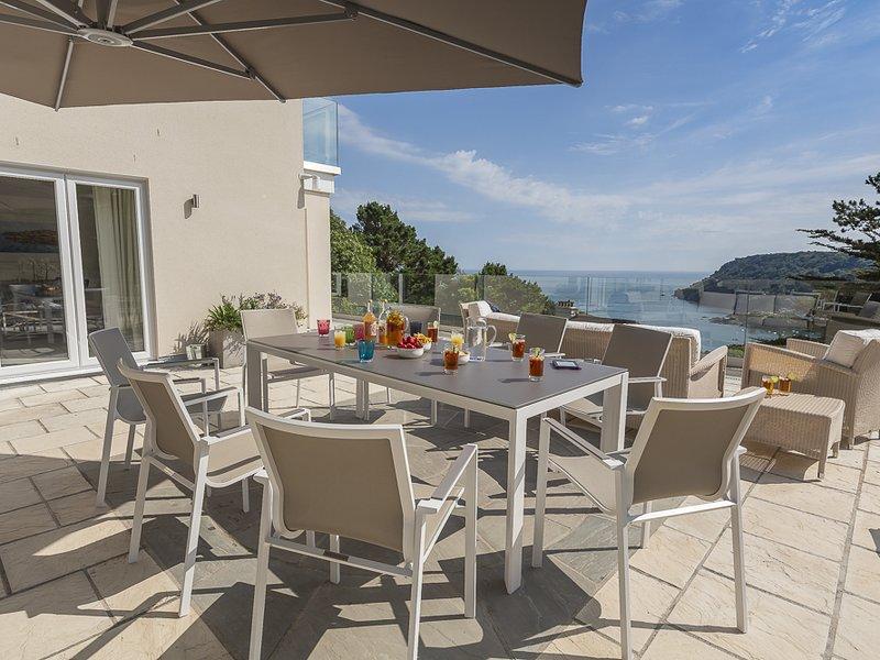 THE SANDS, dog-friendly, estuary views, close to beach, balcony, location de vacances à Salcombe