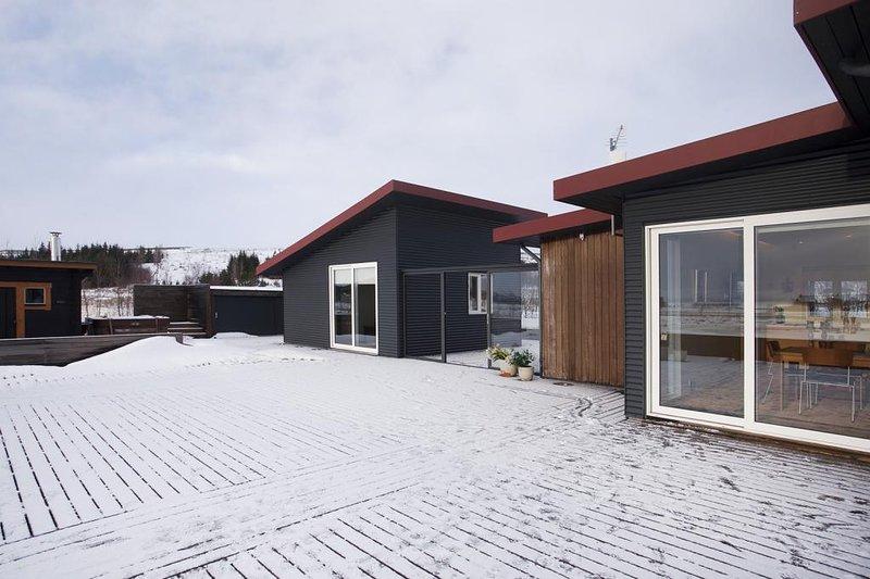 The Reindeer Lodge - Luxurious Villa, holiday rental in Thingvellir