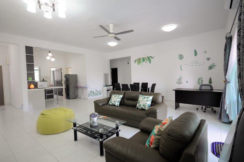 One Sky Condo - 3 Bath Room-3 Bed Room (7 min walk to SPICE / PISA / promenade), casa vacanza a Bayan Lepas
