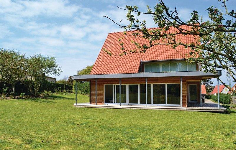 Villa Cap Gris Nez, 200 meter van zee, ruime tuin, sauna, 9 personen, vacation rental in Pas-de-Calais