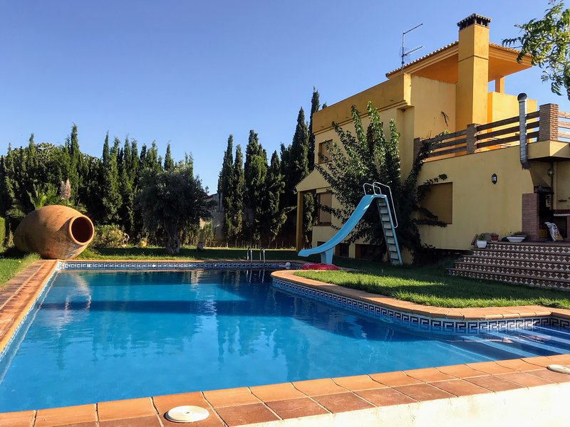 Casa de Rihlaa (The Home of Travel), holiday rental in Cullar-Vega