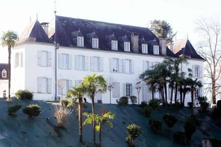 Chambre Dartagnan - Chateau de Heaas 4 épis, casa vacanza a Herrere