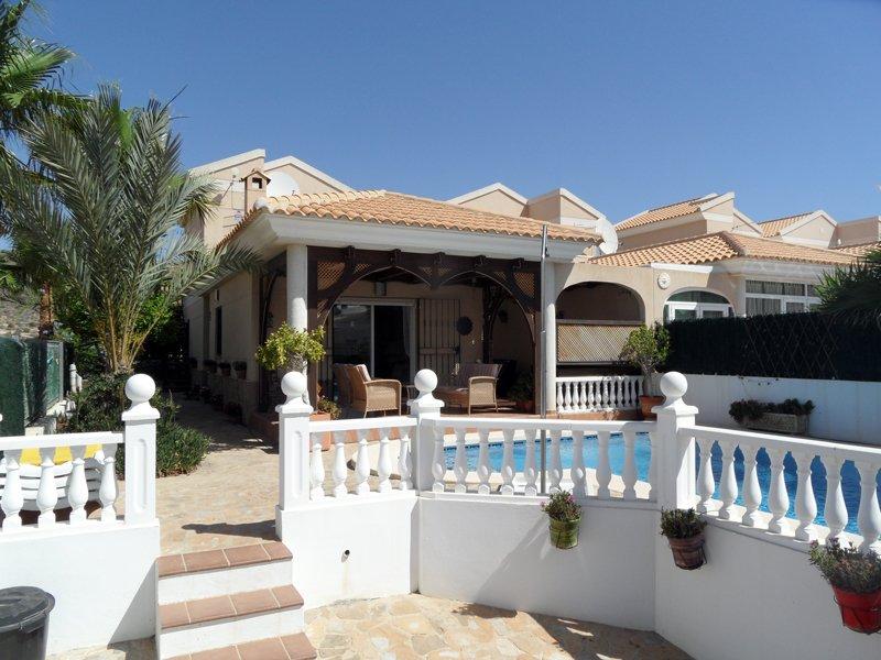 Sierra Vista, 2 bedroom detached family villa with private pool, AIRCO/WIFI/ TV, holiday rental in San Juan de los Terreros