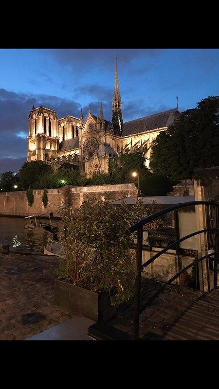 la célèbre église de Notre-Dame