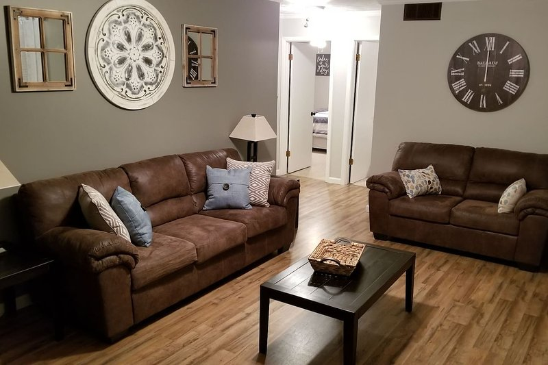 ★ 5 Min to C-N★ Morristown★ Sevierville★ Knoxville, holiday rental in Jefferson City