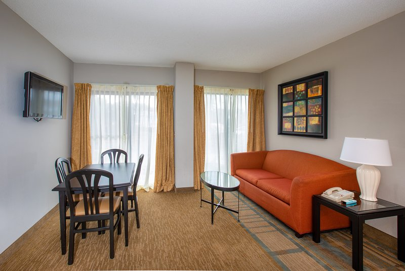 Welcome to our welcoming 2 bedroom suite in a great Orlando location!