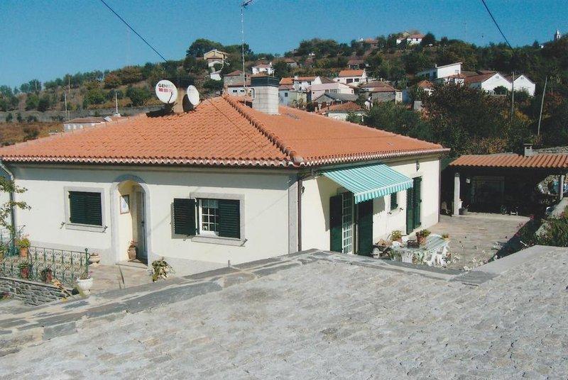 CASA da TOCA, holiday rental in Santa Marta de Penaguiao