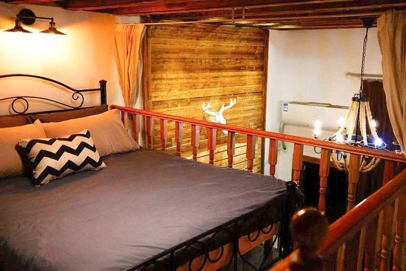 5 mins to Nanjing Road, People's Square, Xintiandi, holiday rental in Shanghai