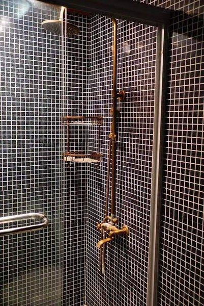 Bella doccia pulita