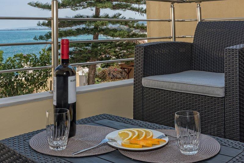 Brand New Modern Apt with Sea View 3 bdrooms, 3 bthrooms, vakantiewoning in Kolymbari