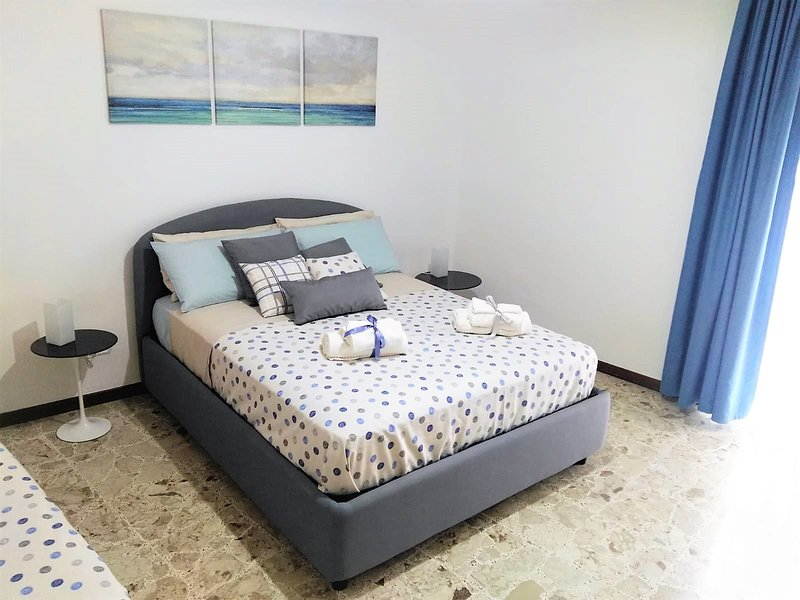 Domus Diaz - family house fino a 6 posti letto con cucina e bagno, Ferienwohnung in Portici