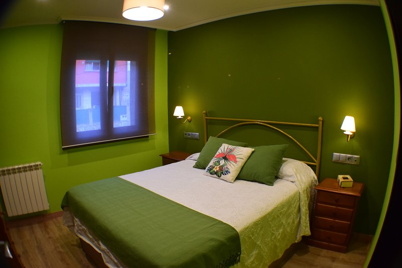 Nerga Beach Room. 1.50 bed with bathroom