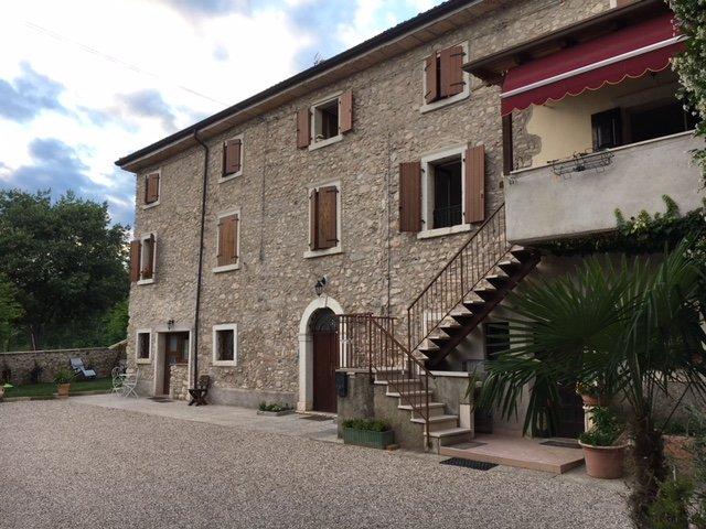 Locanda turistica Corte Isabel  - Appartamento 1, holiday rental in Marciaga di Costermano