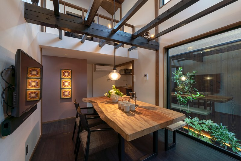 NEW! Traditional, Luxury Machiya x Modern Kitchen + Bathroom x WiFi x Garden – semesterbostad i Kanazawa