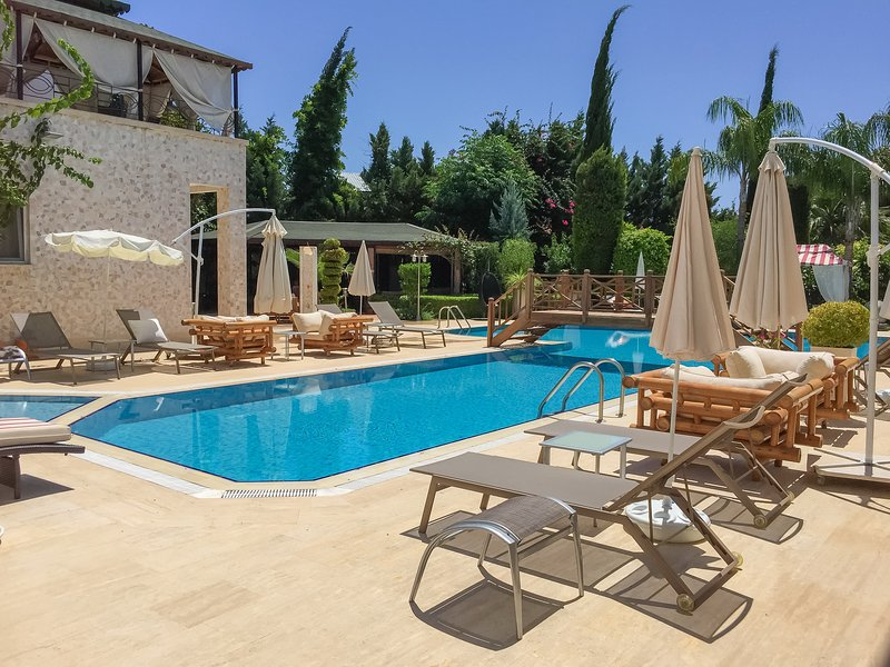 Sofia Residence - Three Bedroom Apartment – semesterbostad i Kemer
