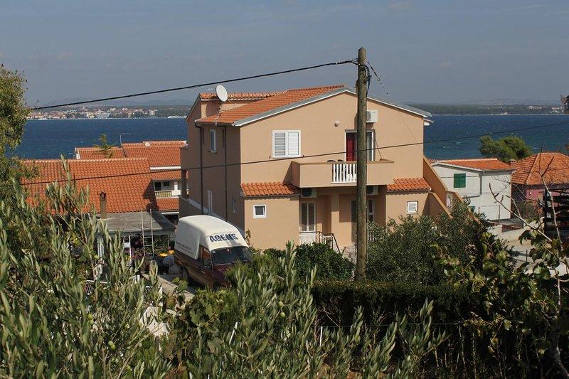 Two bedroom apartment Tkon, Pašman (A-8455-a), vacation rental in Zizanj Island
