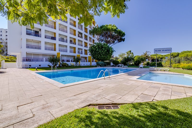 Village Atlântico Apartment, holiday rental in Vilamoura
