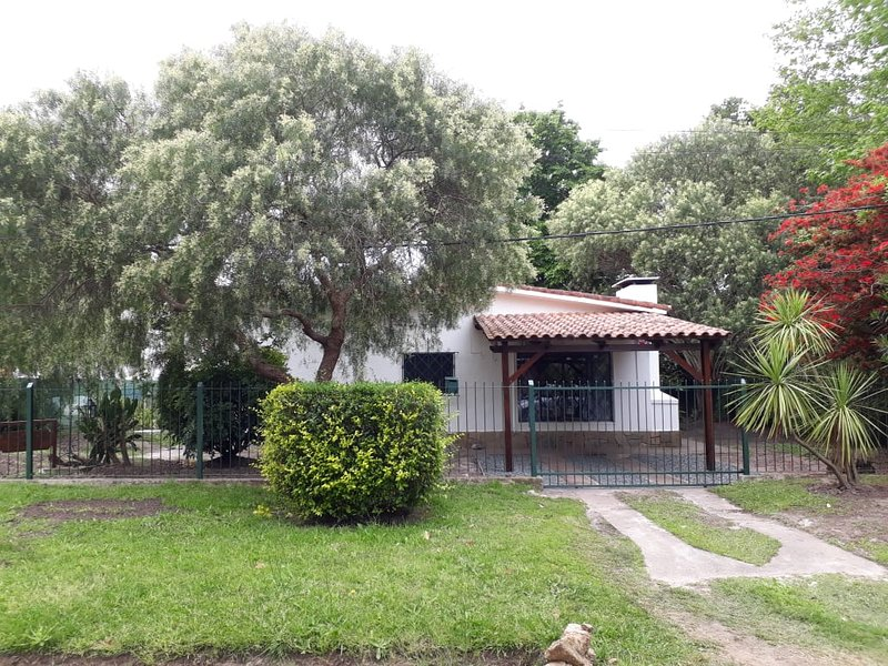 Linda y confortable casa en Villa Argentina (norte), holiday rental in Canelones Department