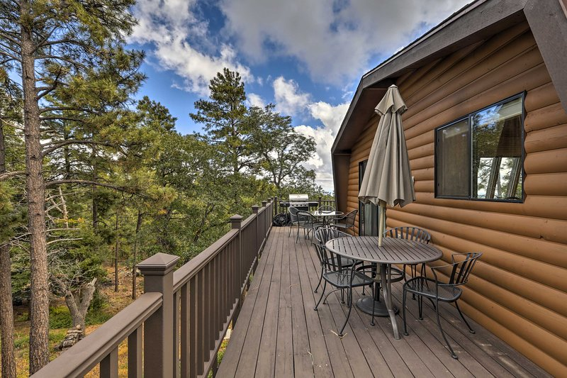 Cozy Home in Prescott Nat'l Forest <9 Mi to Dtwn!, casa vacanza a Crown King