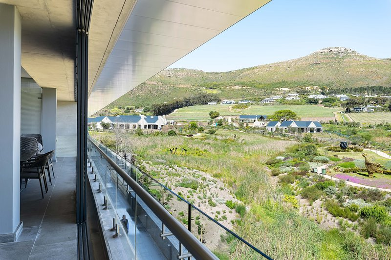 In Residence - Norval Foundation Apartment, vacation rental in Tokai