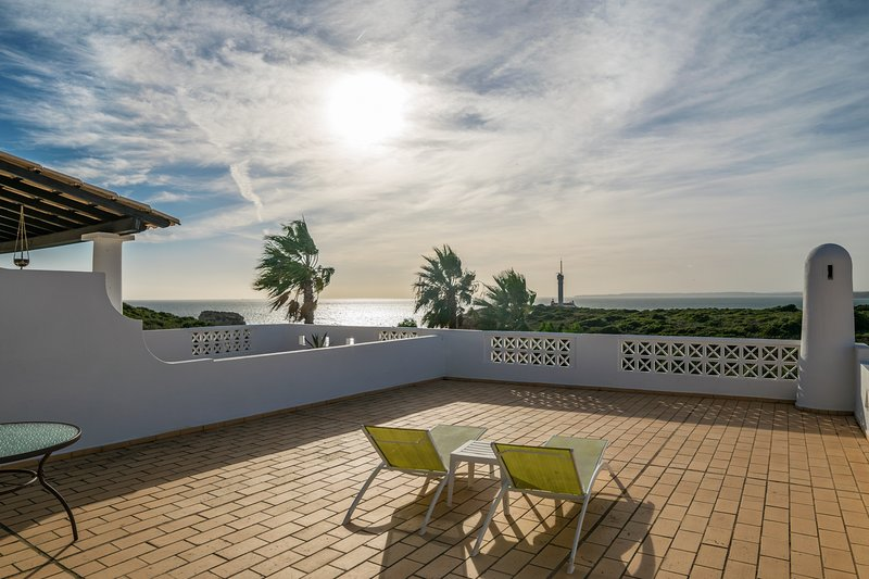 Nau Villa, Ferragudo, Algarve, vacation rental in Ferragudo