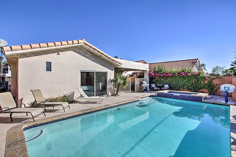 Indulge in a rejuvenating Cali retreat with this La Quinta vacation rental.