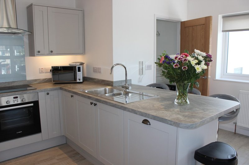 Meadow View Apartment 3 with Balcony and Patio/Garden, vacation rental in Newquay