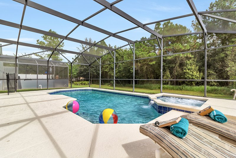 Beautiful 5BR/3BA (Sleeps 10) Pool & Game Room - close to Disney and Universal, vacation rental in Loughman