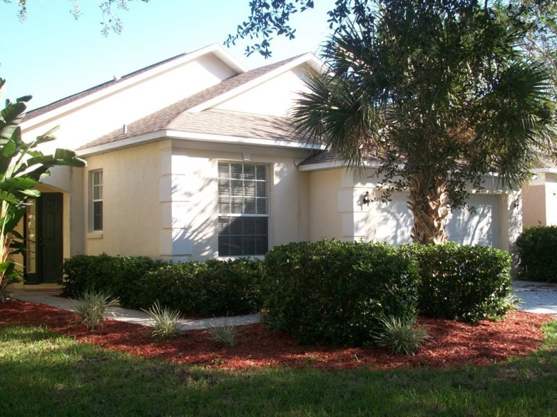 2106MC. Pet Friendly 4 Bedroom 2 Bathroom Pool Home In Southern Dunes, vacation rental in Haines City