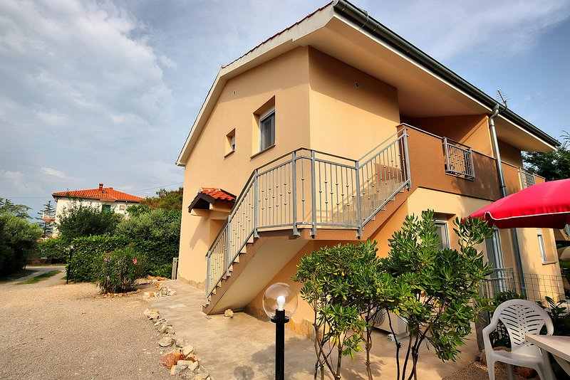 Apartment Sonja 1, vacation rental in Soline