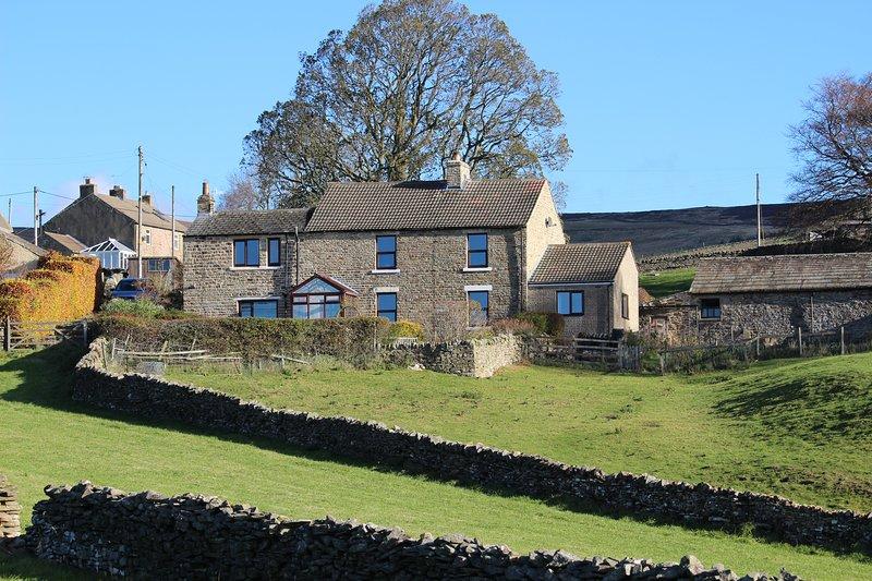 East Farm y East Farm Holiday Cottage forman el suroeste