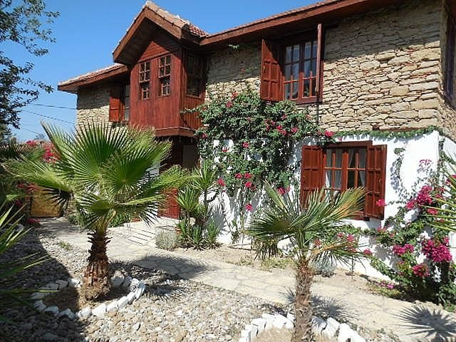 RAVANNA 3 BED DETACHED PRIVATE VILLA WITH 2 PRIVATE POOLS, vacation rental in Evrenseki