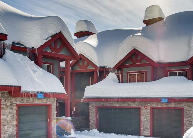 Snowbanks Estate