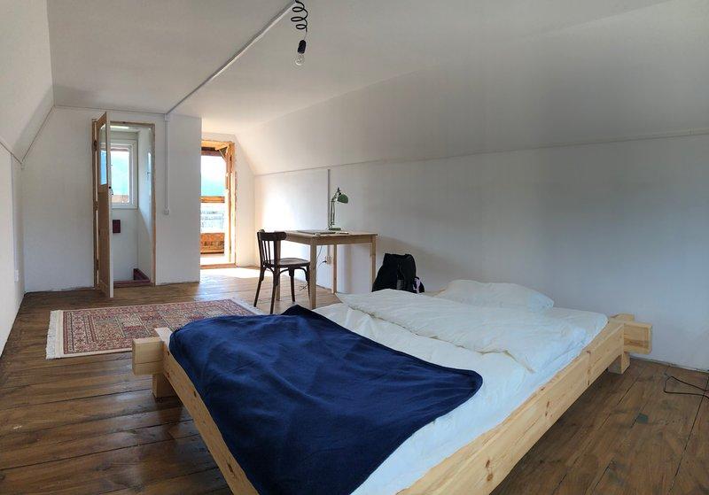 eastories farm - entire house + sauna, location de vacances à Sibérie